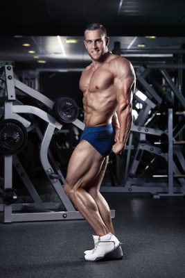 bodybuilder doing the side tricep pose