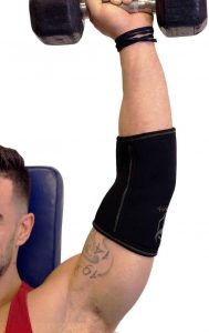 man training with his ironbull elbow sleeve